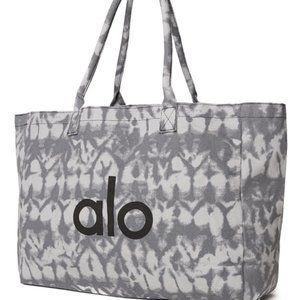 ✨ NWT Grey Tie Dye Bag | ALO Yoga